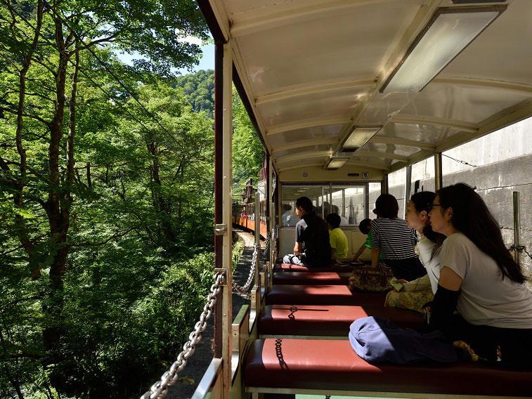 Kurobe Gorge Railway_2