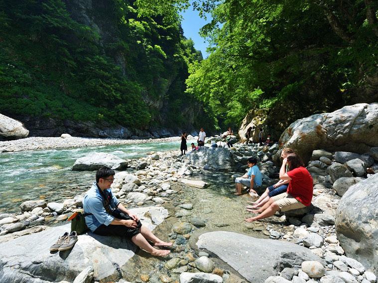 Kurobe Gorge Railway_3