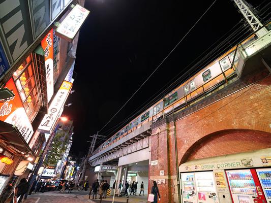 All'izakaya (pub stile giapponese) nel quartiere di Kanda_4